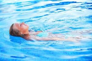 Плавание в бассейне: как тренироваться самостоятельно